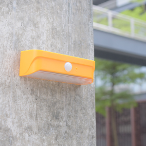 Mini-outdoor-solar-light-Orange-10