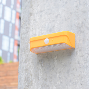 Mini-outdoor-solar-light-Orange-9