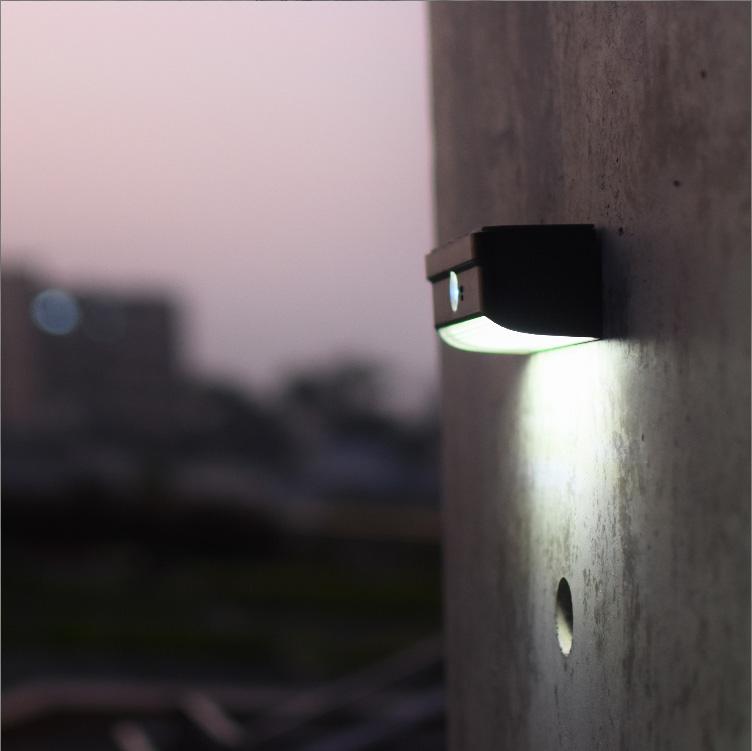 solar-wall-light-(182)